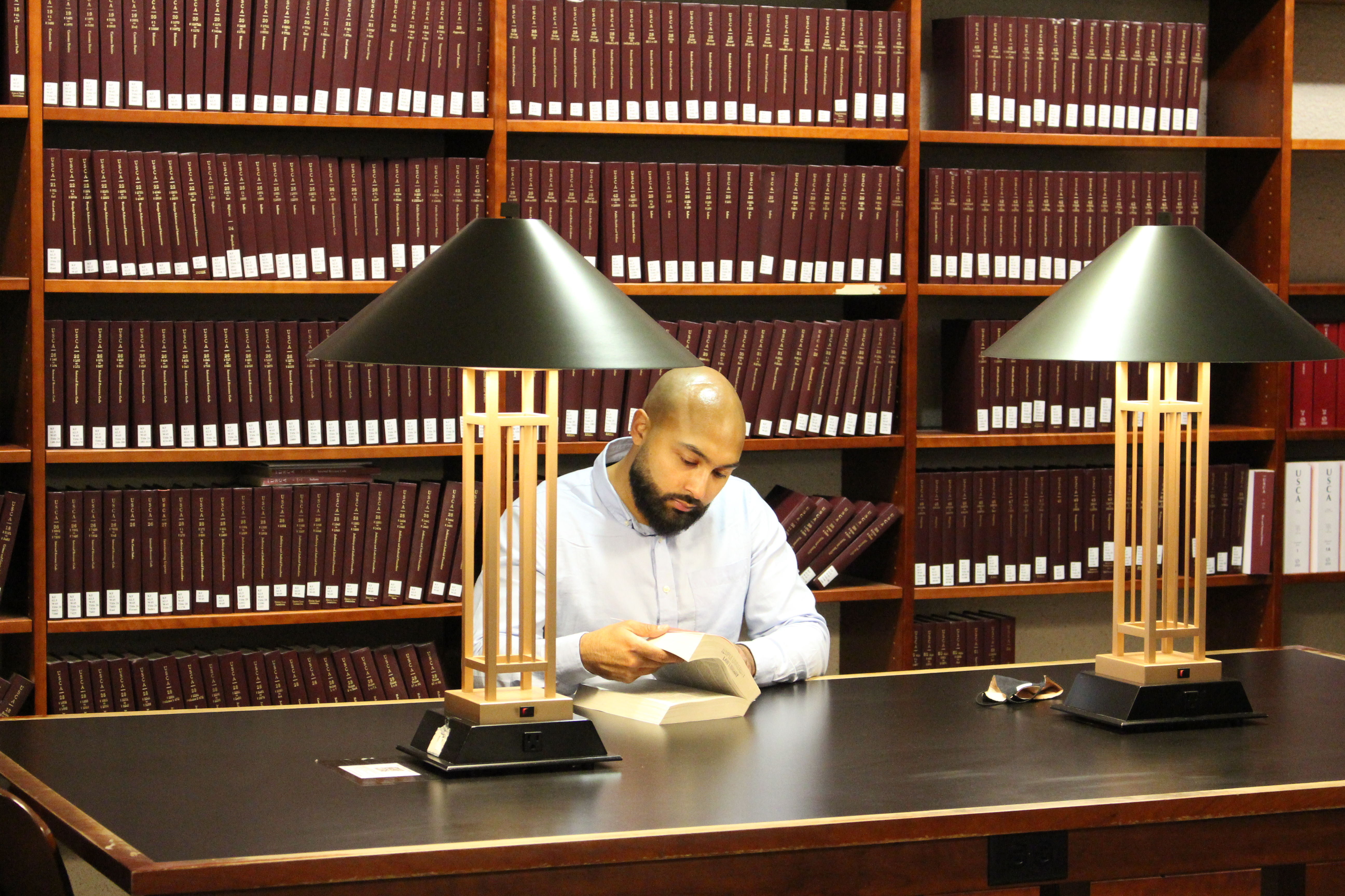 Amando Dominick LAW '21 studying in the Temple Law Library.